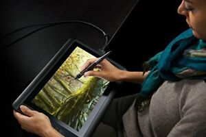 New Wacom Cintiq 13HD Creative Pen & Touch Display (DTH1300K)