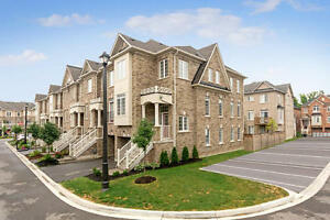 Beautiful End-Unit Townhouse in Georgetown Downtown.