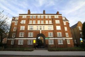 Large 3 double bedroomed flat in the heart of central London.