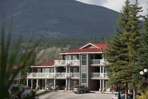 Sunchaser Vacation Villas at Riverside 	Fairmont Hot Springs ,