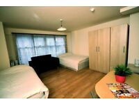 Beautiful Studio flat, excellent location and transpot links, £105pw all bills included. Soho Road.
