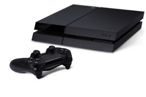 Original PS4 500 GB /w9 Games and 2 Controllers