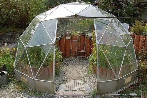 Geodesic Solardome Greenhouse Glasshouse In Stoke
