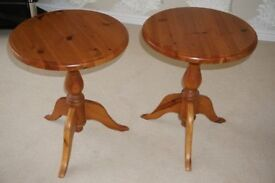 2 pine coffee tables matching pair