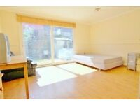 ***MODERN 4/5 BEDROOM HOUSE ON CORPORATION STREET, CALEDONIAN ROAD N7***