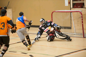 Kirkland Ball Hockey - Seeking goalie
