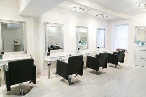 SALON FURNITURE PACKAGE MIRRORS CONSOLE TABLES CHAIRSin Blackpool, LancashireGumtree - SALON FURNITURE SETS. Items as seen in photo 4x Salon Chairs 4x Salon Mirrors 4x console Tables. Further pictures available on request please call 07548733557 for more information Package £1199.00