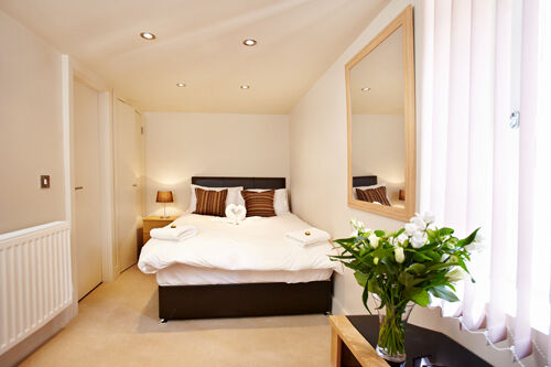 **Stylish Short Let Serviced 1 Bedroom in Bloomsbury/Holborn - all bills, maid service, wifi incl!*