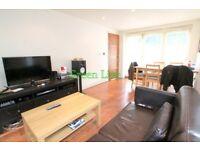 Huge Living Room & Massive Garden - 4 Bedrooms - 3 Bathroom -