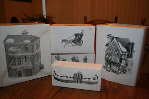 Dickens Christmas Village (7 pieces)