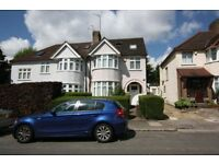 Studio flat in Holders Hill Crescent, Hendon, NW4