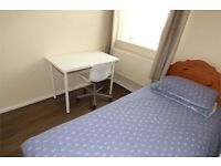 cheap single room in this well maintained flat in Gale street, Bow