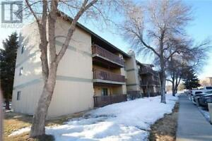 Great 2 bed condo For Rent McKercher with 2parking stalls!!