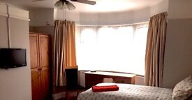 HOMESTAY ACCOMMODATION TO INCLUDE LAUNDRY ALL BILLS & ONLY A FEW MINS WALK TO BOURNEMOUTH UNI & AUB