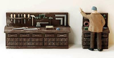 TOOL and Hardware Workbench for Workshops comes Painted for you O (Tools And Hardware)