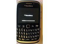 3 X BLACKBERRY PHONES SPARES OR REPAIR