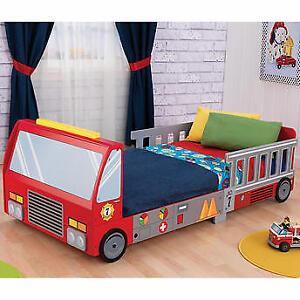 KidKraft Fire Truck Toddler Bed w/mattress & bedding
