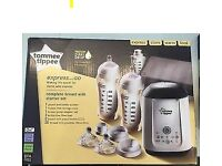 Tommee Tippee Express and Go Complete Starter Kit and pack of pouches