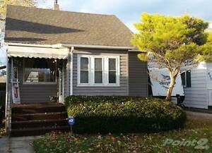 Homes for Sale in Remington Park, Windsor, Ontario $124,900 Windsor Region Ontario image 1