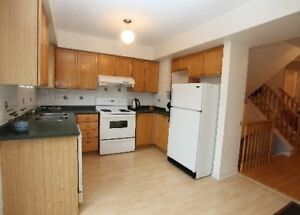 3 BEDROOM TOWN HOUSE | BRISTOL & TERRY FOX | 2 PARKING |