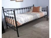 Single Daybed with Memory Foam Mattress & Protector - Excellent condition