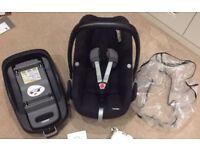 Maxi Cosi Familyfix isofix base and Pebble Car Seat
