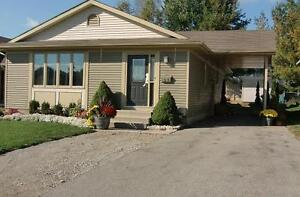 PRIVATE!!!   HOME FOR SALE!   AYLMER