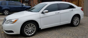 2012 Chrysler 200 LE, Lady Driven, Fully Loaded Low KM's
