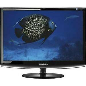 Samsung SyncMaster 2433BW 24in Monitor with cables