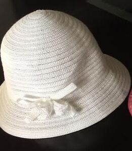 WHITE SUMMER HAT (sz 4-6X) - perfect shape! Selling for $3.