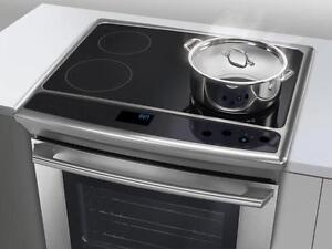 "Cuisiniere 30"" Electrolux Induction Four NEW Oven 4200$ Reg"
