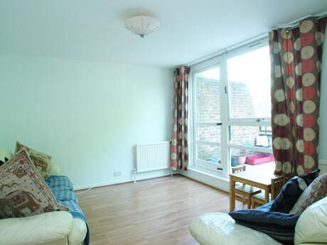 2 double bed in Peckham ideal for sharers available in September!