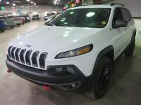 2015 Jeep Cherokee Trailhawk 4x4 HEATED LEATHER SEATS!