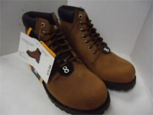 Mens BUM Lined Boots shoes- size 8 brand new in box never worn