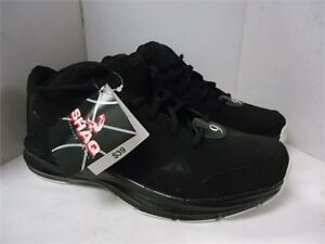 sneakers NEW Mens' Shaq Sneakers- size 9 never worn in box