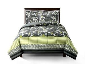 Brand new twin size comforter set for 40% off