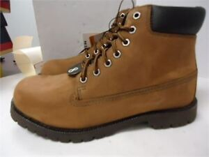 Mens BUM Lined Boots shoes- size 8 brand new in box never worn c
