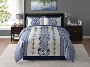**Brand New**Home Trends 8 Piece Bed-in-a-Bag Bedding Set(King)