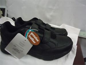 Dr Scholls Sneakers- size 11 brand new in box only 25 black