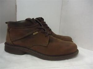 Men's Ecco Ankle Boots in box just like new size 8.5