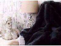King Size Luxury No Pile Shedding Black Faux Fur Throw Blanket[200cmx240cm].