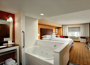Four Point hotel King Bedroom with Jaccuzi