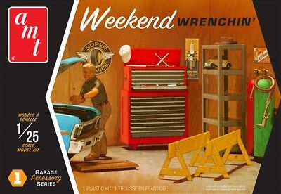 AMT Garage Accessory Set #1 Weekend Wrenchin' 1:25 scale model kit new 15 * - Model Kit Set