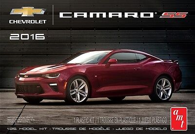AMT 1:25 2016 Chevy Camaro SS Red Plastic Model Kit AMT979