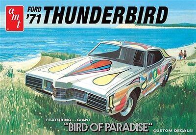 AMT 1:25 1971 Ford Thunderbird Plastic Model Kit AMT920