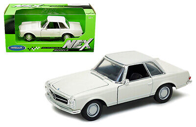 WELLY 1/24 SCALE CREAM WHITE MERCEDES BENZ 230SL DIECAST CAR MODEL 24093CRMWHT