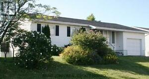 Basement of house - Ideal for NBCC/UNB student - Quiet - Private