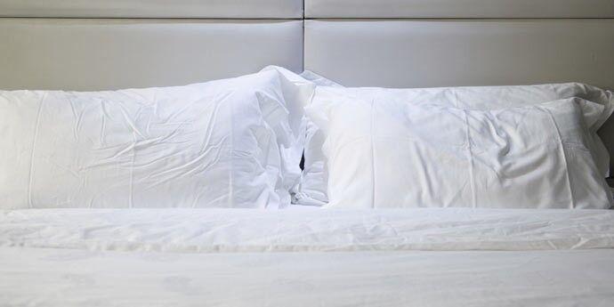 Bettwäsche: Baumwolle, Seide Oder Kunstfasern