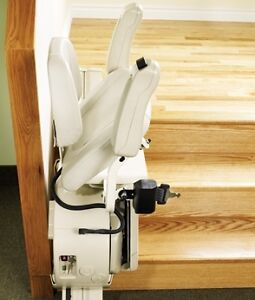 Chaise monte escalier Savaria - Stairlift Savaria West Island Greater Montréal image 2