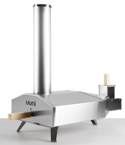 Uuni 3 outdoor wood pellet fired portable pizza oven